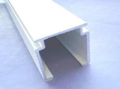 VB1 White Headrail DeLuxe inc Tilt Rod