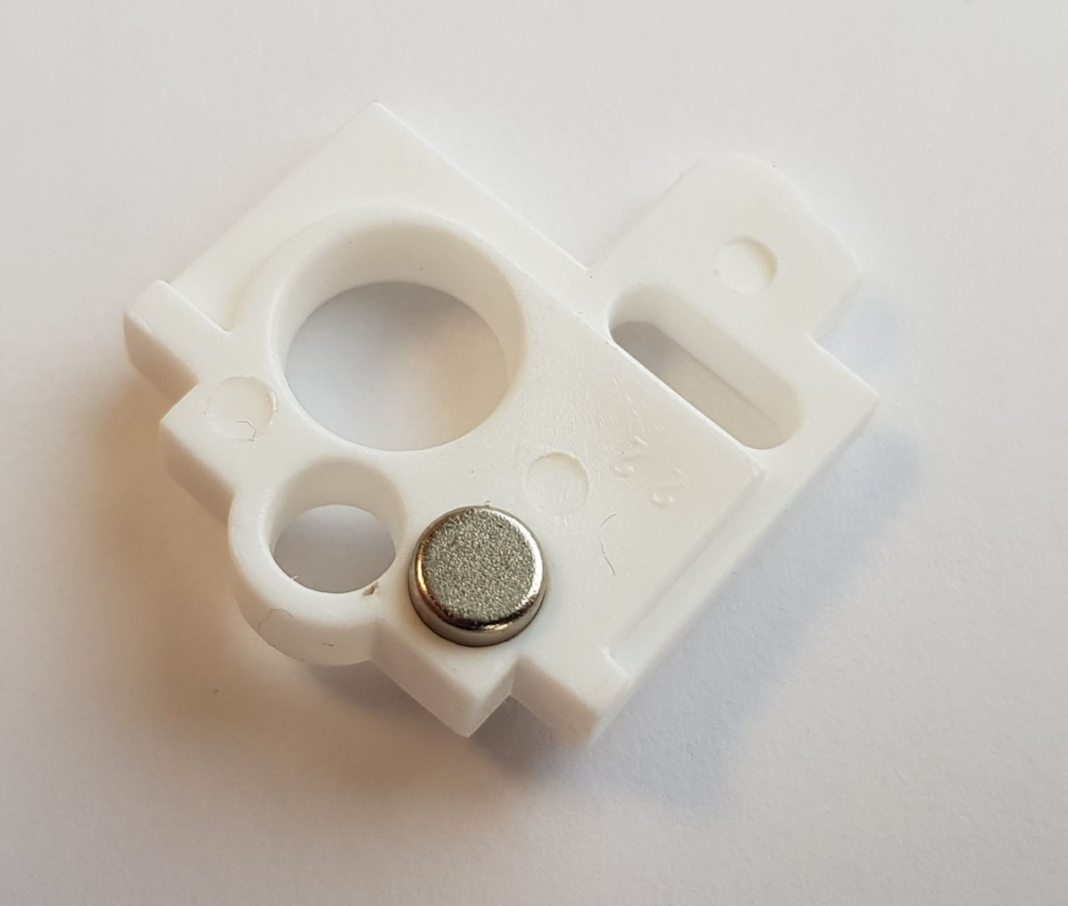 Magnetic Centre Rod Support